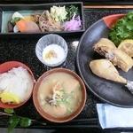 もみじ庵おがさわら - 晩秋ハーブ鶏の蒸し焼き御膳(ランチ)