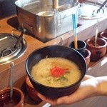 すすめ!ヴァイキング - 6種のたれに鶏がらスープを合わせて作れるラーメンコーナーも人気!!