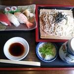 16186251 - ザル にぎり寿司セット