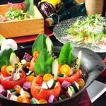 テイストシックス - 名物!!ベジ鍋のコース☆写真は、トマト農家さんとコラボしたトマトカップの石原鍋♪