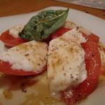 16205920 - モッツァレラチーズとトマト