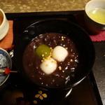 16206180 - 葛ぜんざいアップ 大納言小豆をじっくりと炊き上げた本葛もち+白玉いり