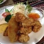 16206847 - から揚げ5個にサツマイモとカボチャの天ぷら・卵焼きサラダと盛りだくさん(*◕ฺω◕ฺ*)♬