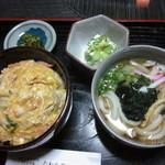 16207488 - 衣笠丼セット
