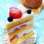 コウベスイーツファクトリー - ショートケーキ