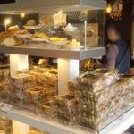 軽井沢チョコレートファクトリー東京ラスク - プレミアムアーモンドラスクの売り場