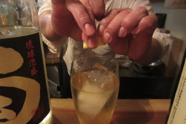 食堂 清水 - 特製ハイボール、レモンきゅっと♪