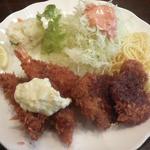 洋食Iwanaga  - ランチ(海老フライ、白身魚、一口ヒレカツ)