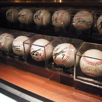 MLB Cafe Tokyo - サインボール