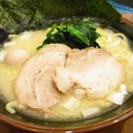 横浜家系ラーメン 綱島商店 - 塩ラーメン650円