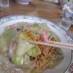 ふげん茶屋 - 油で揚げた細麺の上にトロトロの具材、具の中身はちゃんぽんとほぼ同じかな・・・
