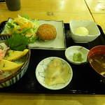 魚八 - コロッケとミニ海鮮丼