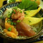 魚八 - ミニ海鮮丼