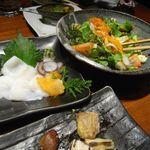 鳥元 - 季節野菜のサラダと北海タコ刺身