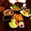 はじめ - 料理写真:コース料理です。さらに本日の前菜2品がつきます!