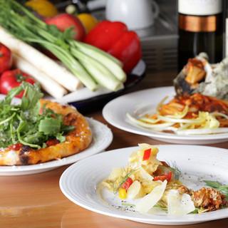 食材は有機野菜・鮮魚を中心に季節感や旬を大事にしております