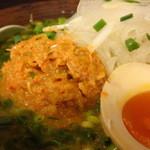 16221876 - トッピングの『辛しネギだま』と『半熟煮卵』