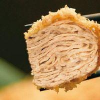 キムカツ - 25層もの豚肉がミルフィーユ状に重なった『キムカツ』