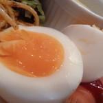 Gad - ゆで卵は絶妙な半熟♪