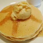 16226683 - プレーンパンケーキ(メープルシロップをちょこっとかけたところ、2012年11月)