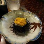 日本料理てら岡 - まずは、いくらだけ食べて