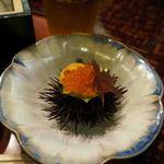 日本料理てら岡 - ウニいくら寿司。ウニの殻載せ