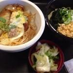 得得うどん - 料理写真:ミニカツ丼