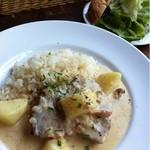 Quatre Cafe - 豚肉のフリカッセ!バターライス添え