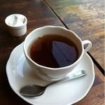 Quatre Cafe - 紅茶