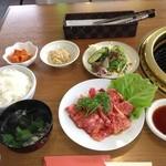 鹿島 - 料理写真:カルビ焼定食(780円)