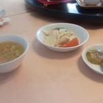 天外天 - スープとザーサイそして小鉢