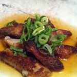 大衆居食家 しょうき - こりぽん290円。柔らかい豚軟骨を焼き上げたもので、酢醤油で頂きます。