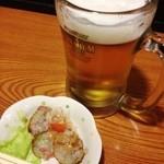 焼鳥・鳥唐 えびす丸 - まずはお通しとビール