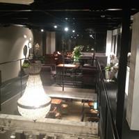 ロウライフカフェ - 3階は贅沢なサロン風フロア。