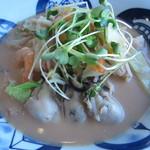 リンガーハット - 料理写真:季節限定 かきちゃんぽん¥690