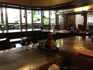 碧 国際通り松尾店 - 12時半くらいから入店。店内は誰もお客様が・・・カフェみたいな雰囲気はいいのですが・・・