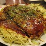 常太郎 - 広島風お好み焼き(そば&うどん入り)
