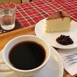 ミル - コーヒーとチーズケーキ