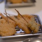 串カツ 中崎きりがね食堂 - 串カツ7種盛り、最初はこれから。