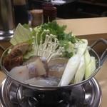 大衆酒場 伊勢元 - タラちり鍋(800円)