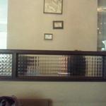 イタリアーナ エノテカ ドォーロ - 壁の絵 いささか歪んでます
