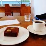 16262841 - 渋皮栗とビターチョコのケーキ、ブレンドNo8