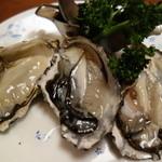 住吉 - 生牡蠣3ヶ750円