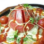 共栄 - 焼かれたチーズとトマト