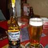 アカサカ - ドリンク写真:コロナ・エキストラ ビールと生ビール