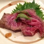 ステーキ 雪峰 - 料理写真:前菜:和牛のたたき