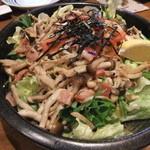 焼きやき亭 - きのことベーコンのサラダ