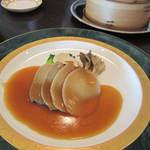 16276517 - 楊貴妃ランチコース:あわびとキノコのオイスターソース煮