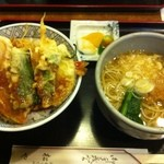 松や - 天丼セット(温かいそば) 1.000円
