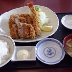 かつ壱 - しわ黒豚三種盛り定食